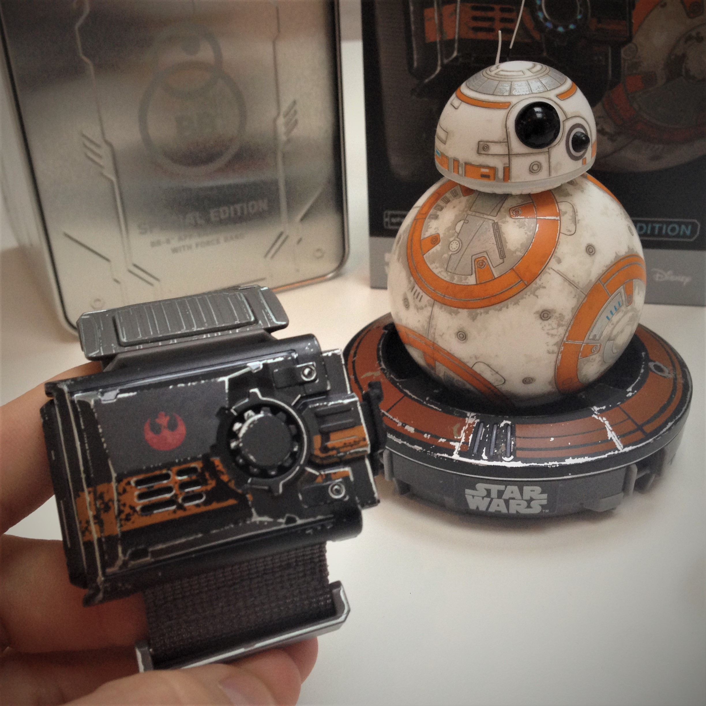 bb-8-star-wars-sphero-battle-worn-bb-8-disney-coolstuff-fiktion-kultur-5